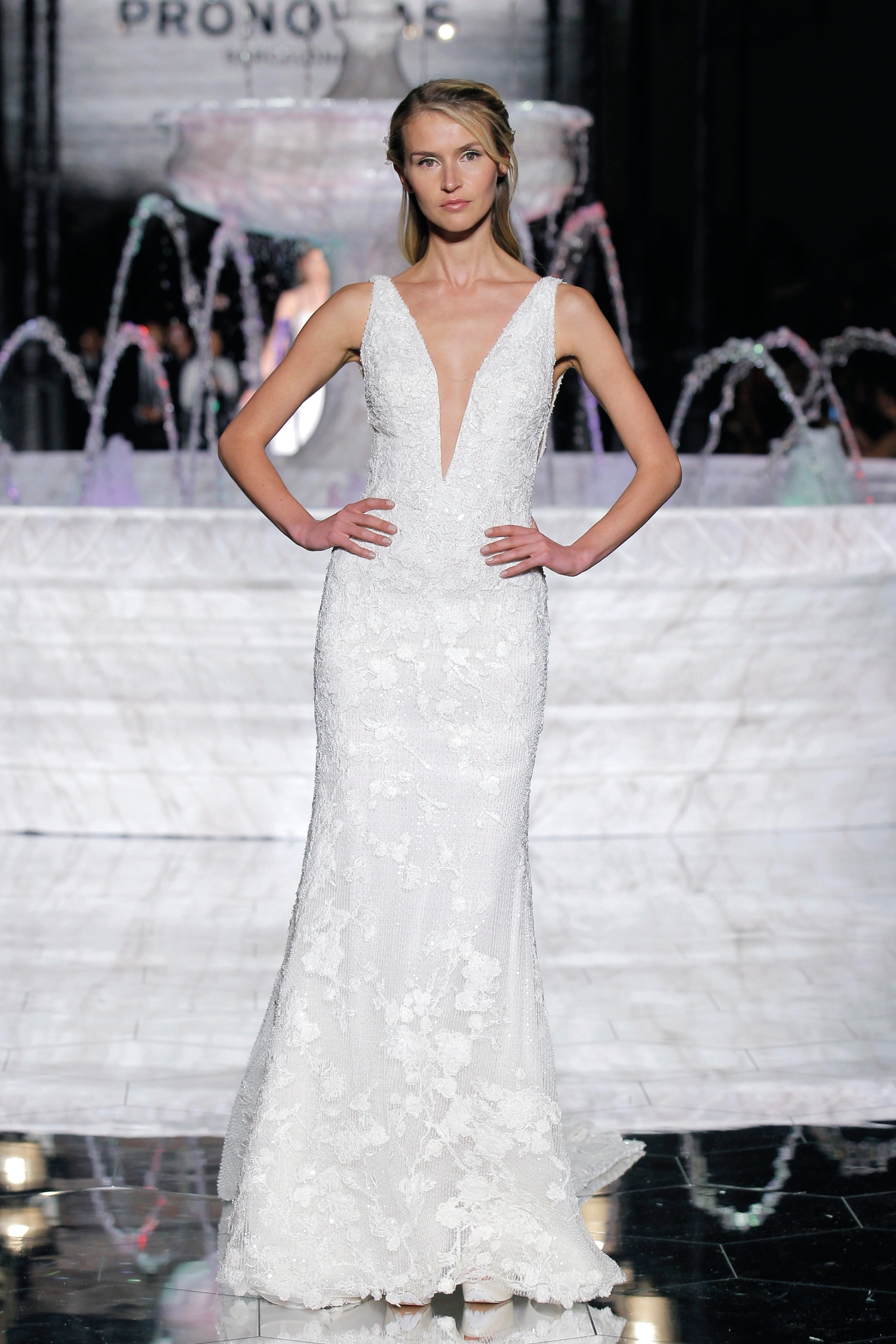 1-PRONOVIAS FASHION SHOW_Romina