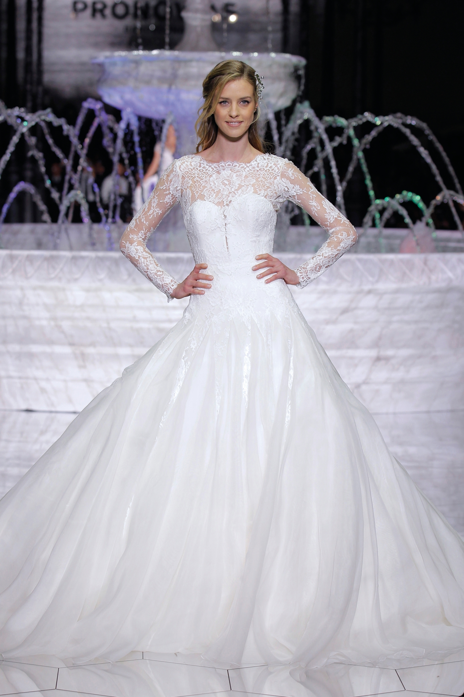 1-PRONOVIAS FASHION SHOW_Roncel
