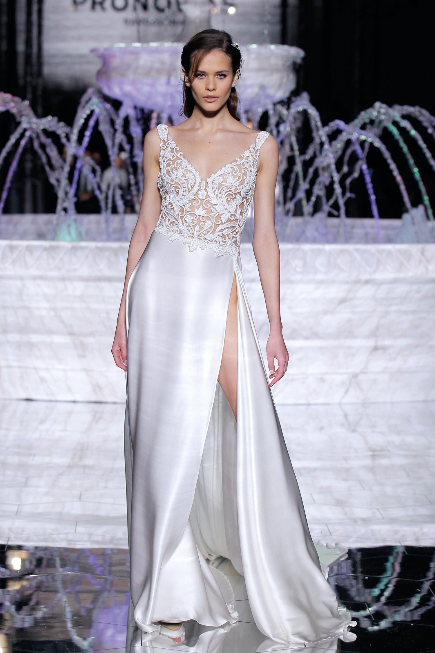 1-PRONOVIAS FASHION SHOW_Rosales