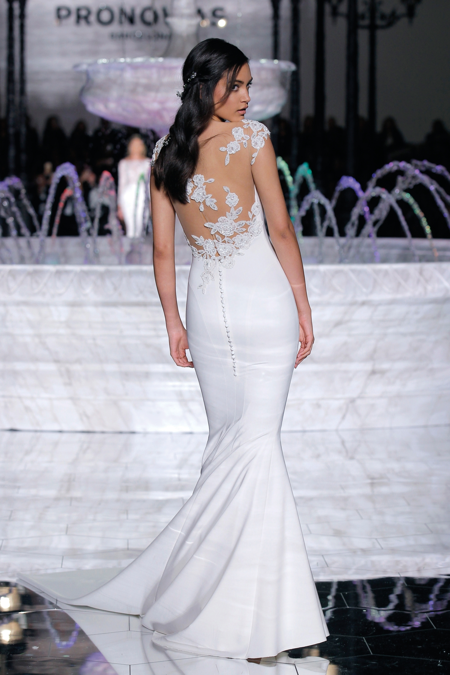 1-PRONOVIAS FASHION SHOW_Rosario (2)