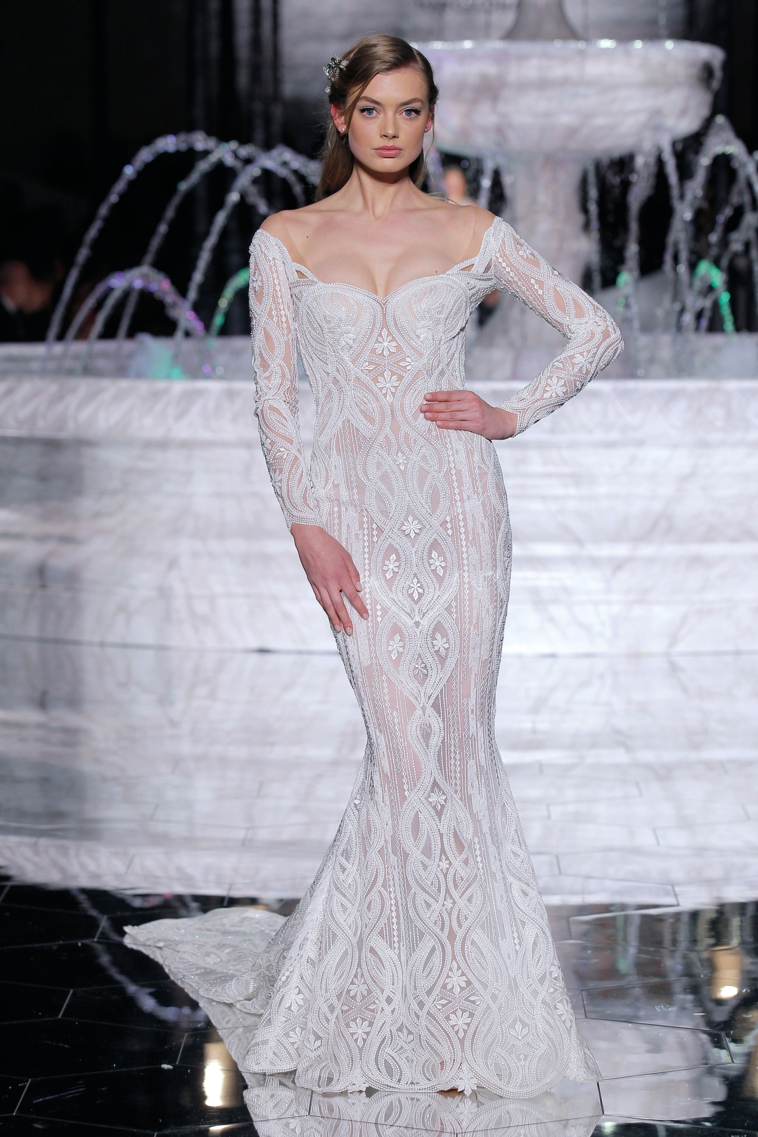 1-PRONOVIAS FASHION SHOW_Royal