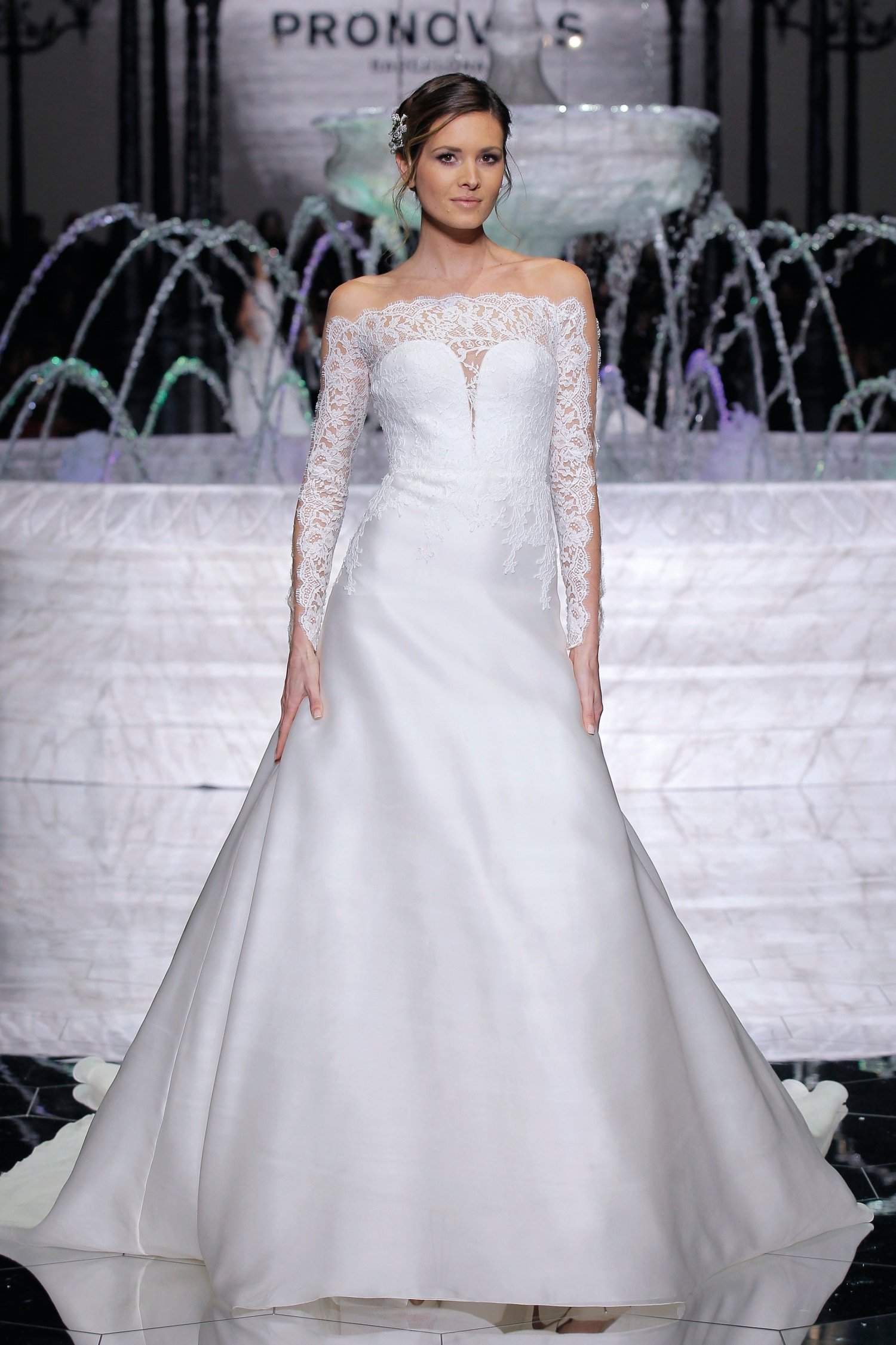 1-PRONOVIAS FASHION SHOW_Rumba