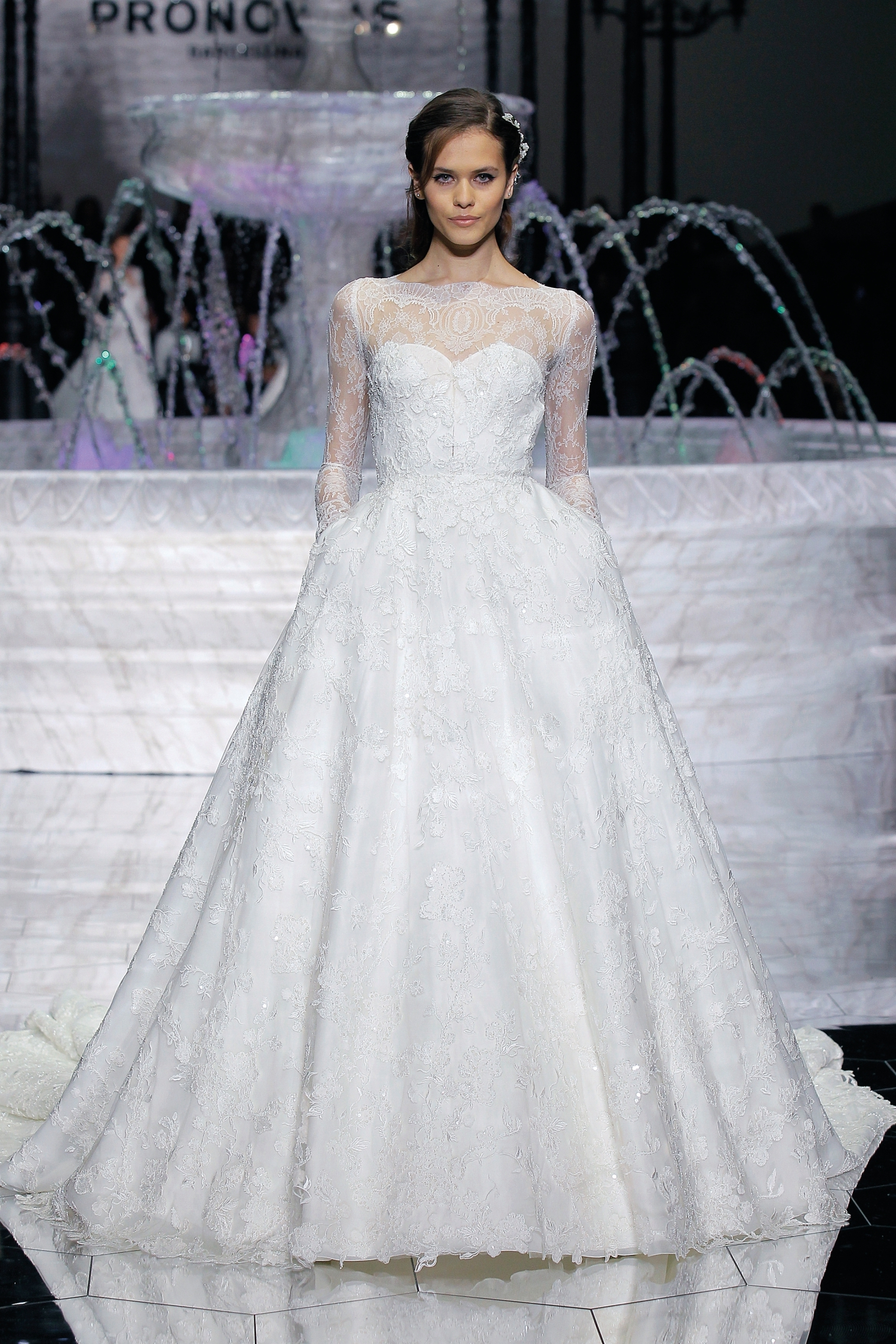 1-PRONOVIAS FASHION SHOW_Ruth